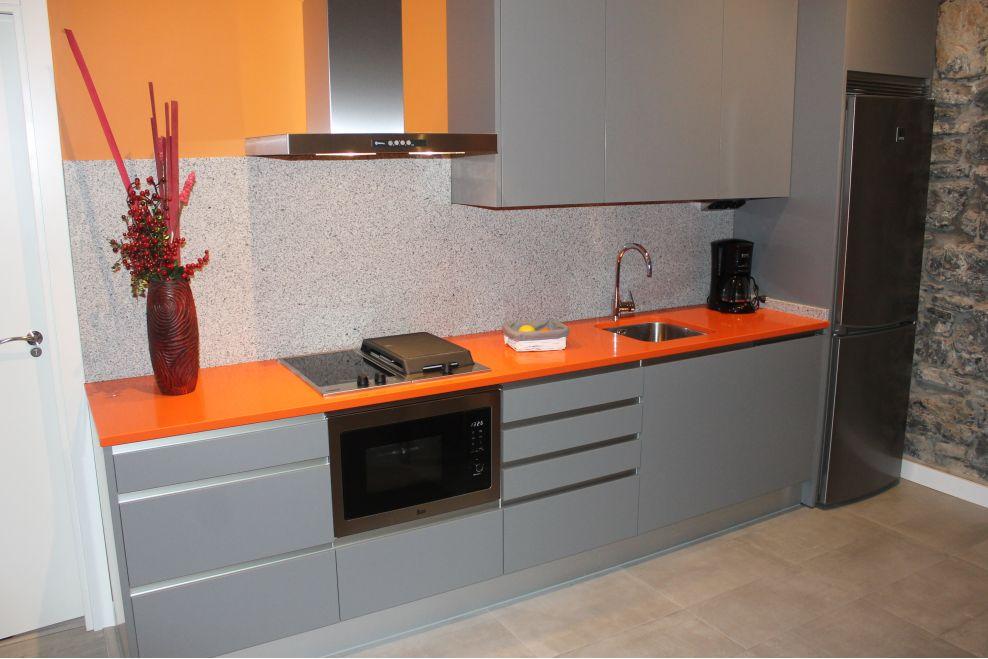 Cocina moderna y juvenil a z mobiliario de cocinas for Mobiliario para cocina