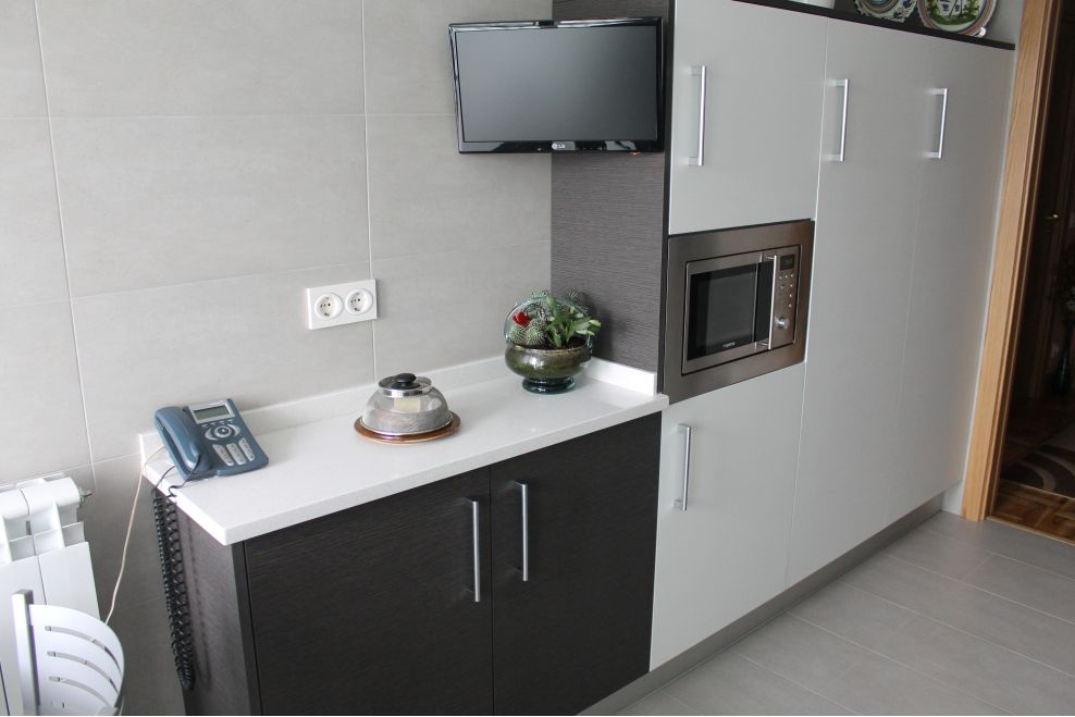 Reforma de cocina a z mobiliario de cocinas for Mobiliario para cocina