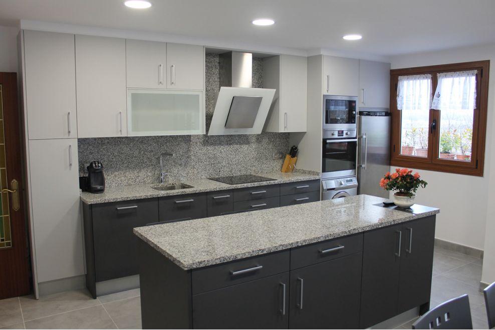 Cocina prctica y moderna AZ Mobiliario de cocinas